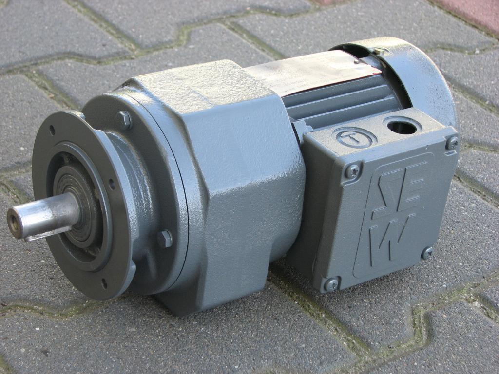 Príruba Gearmotor 0.18KW. 54BR./min .. Šiť!