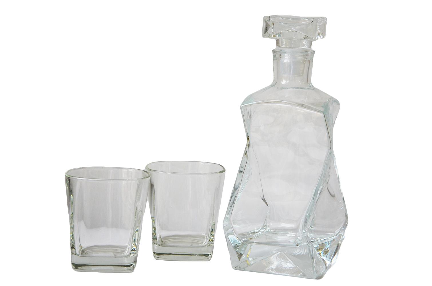 Víno Carafe, Whisky, Cognac, vodka pre darček!