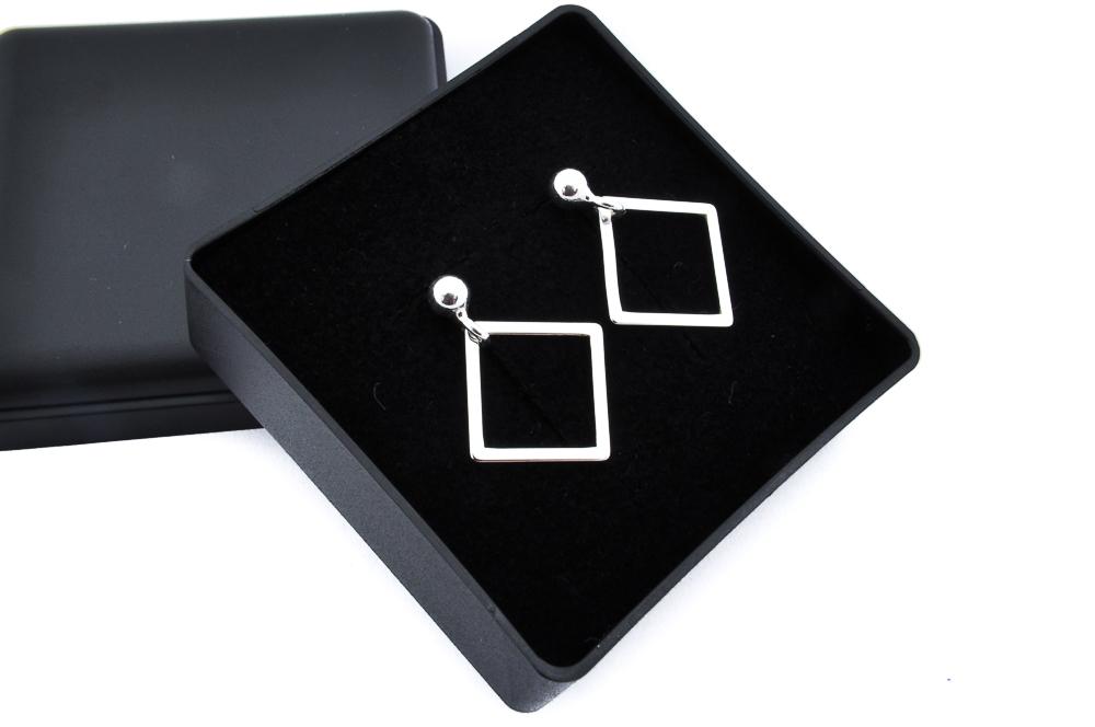 Kolczyki srebrne celebrytki kwadraty kwadrat 925