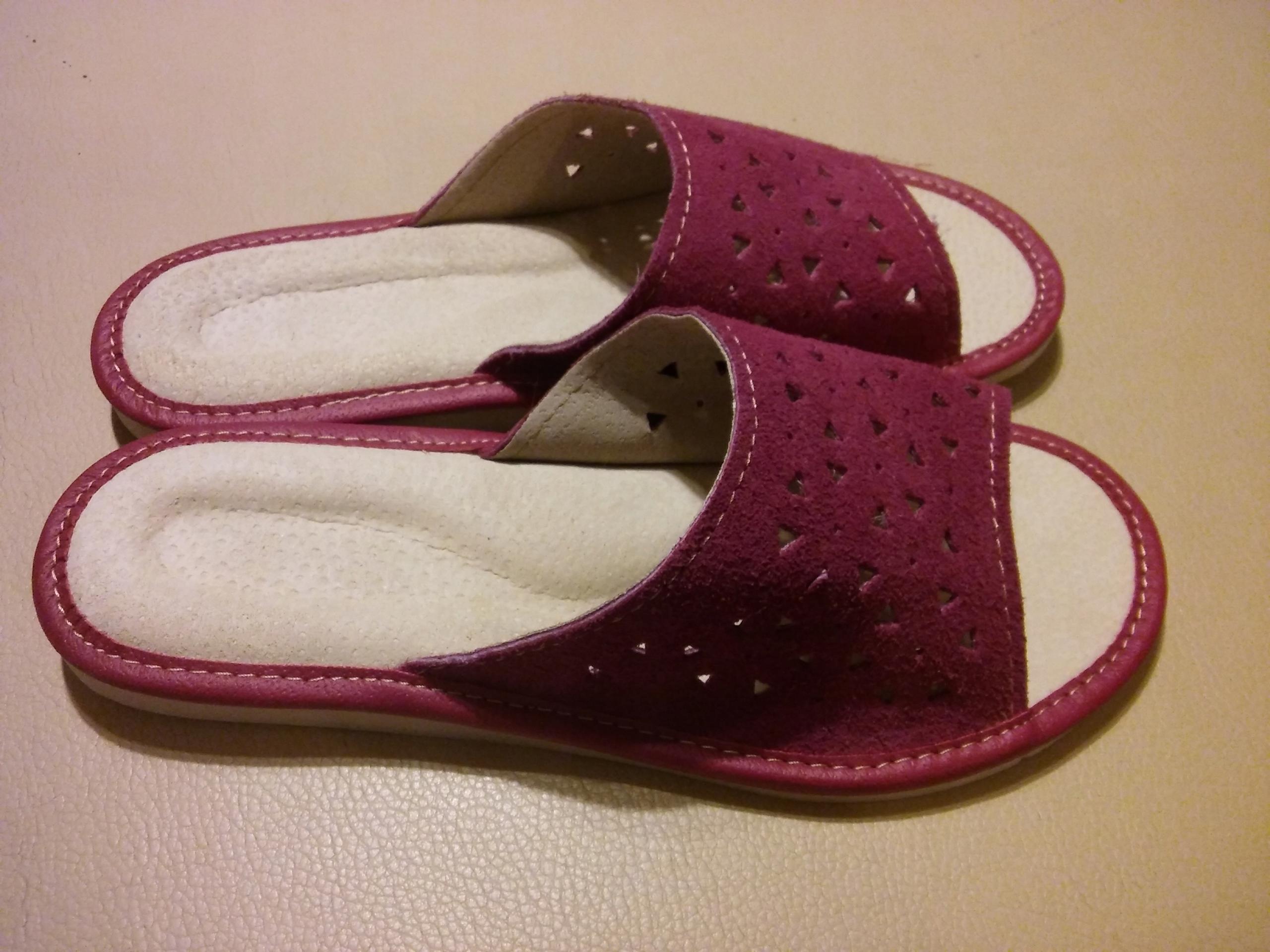 Damskie klapki pantofle skórzane laczki 35 wygodne