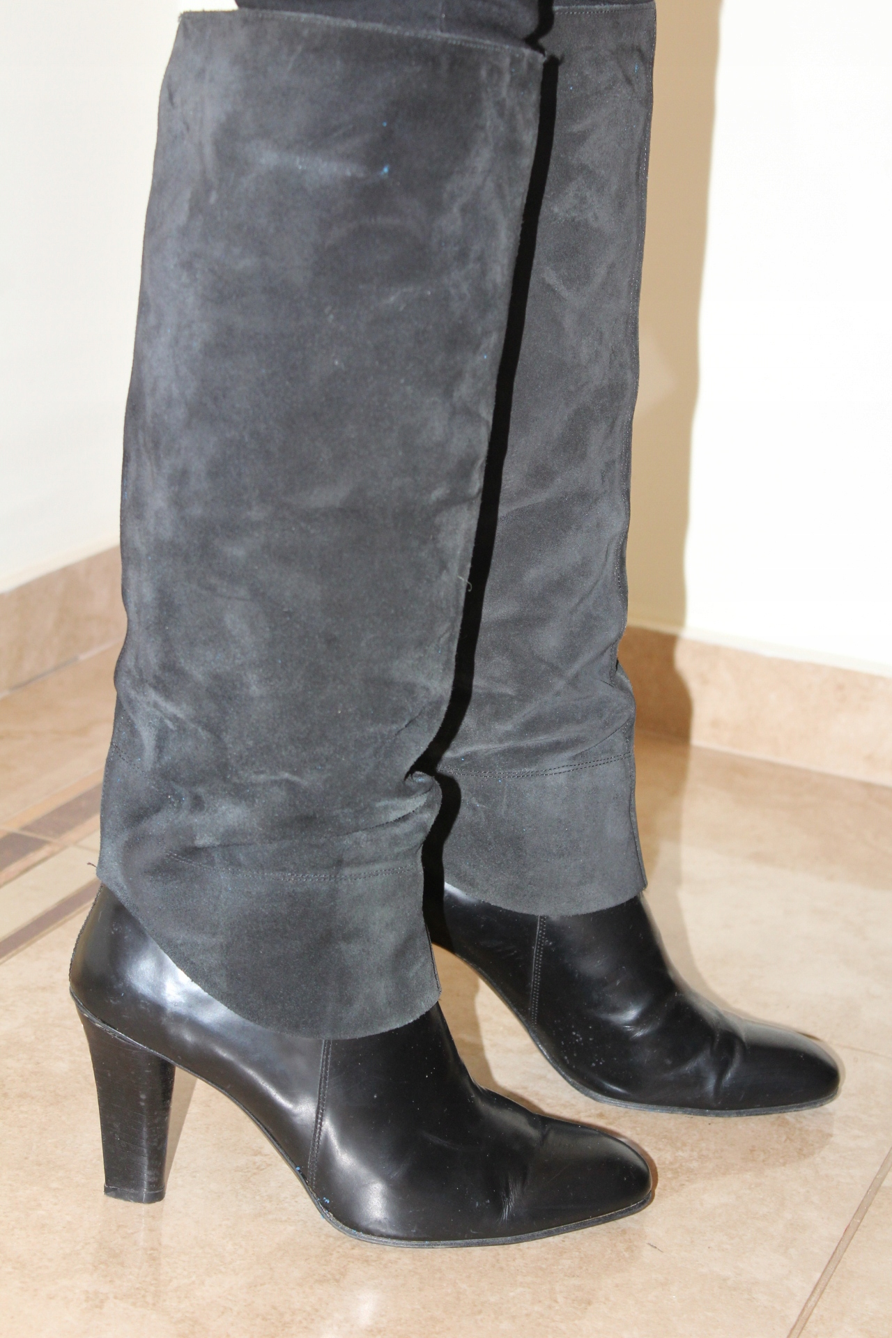 Czarne zamszowe kozaki A26
