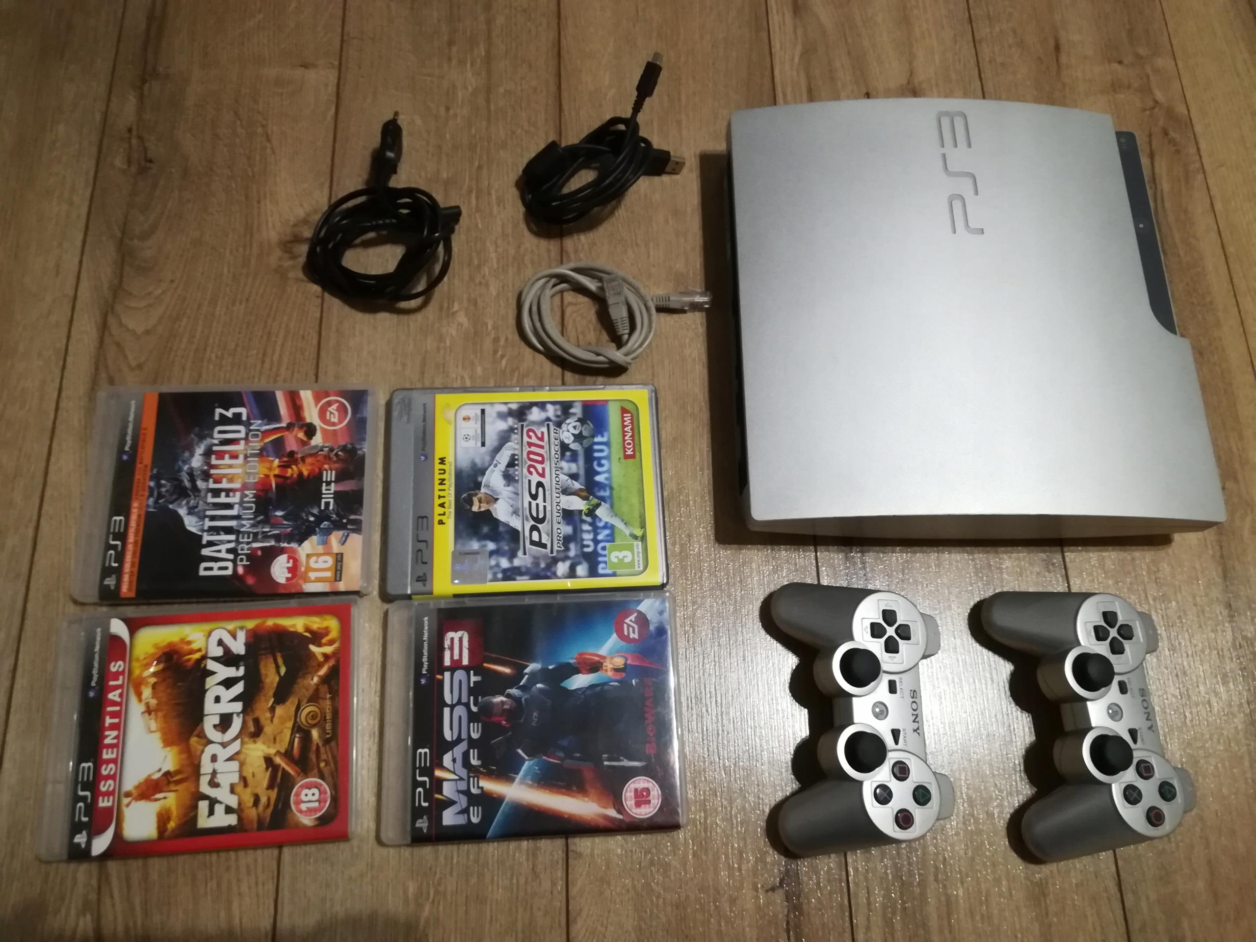 Konsola Sony PlayStation 3 320 GB + 2 x pad + gry