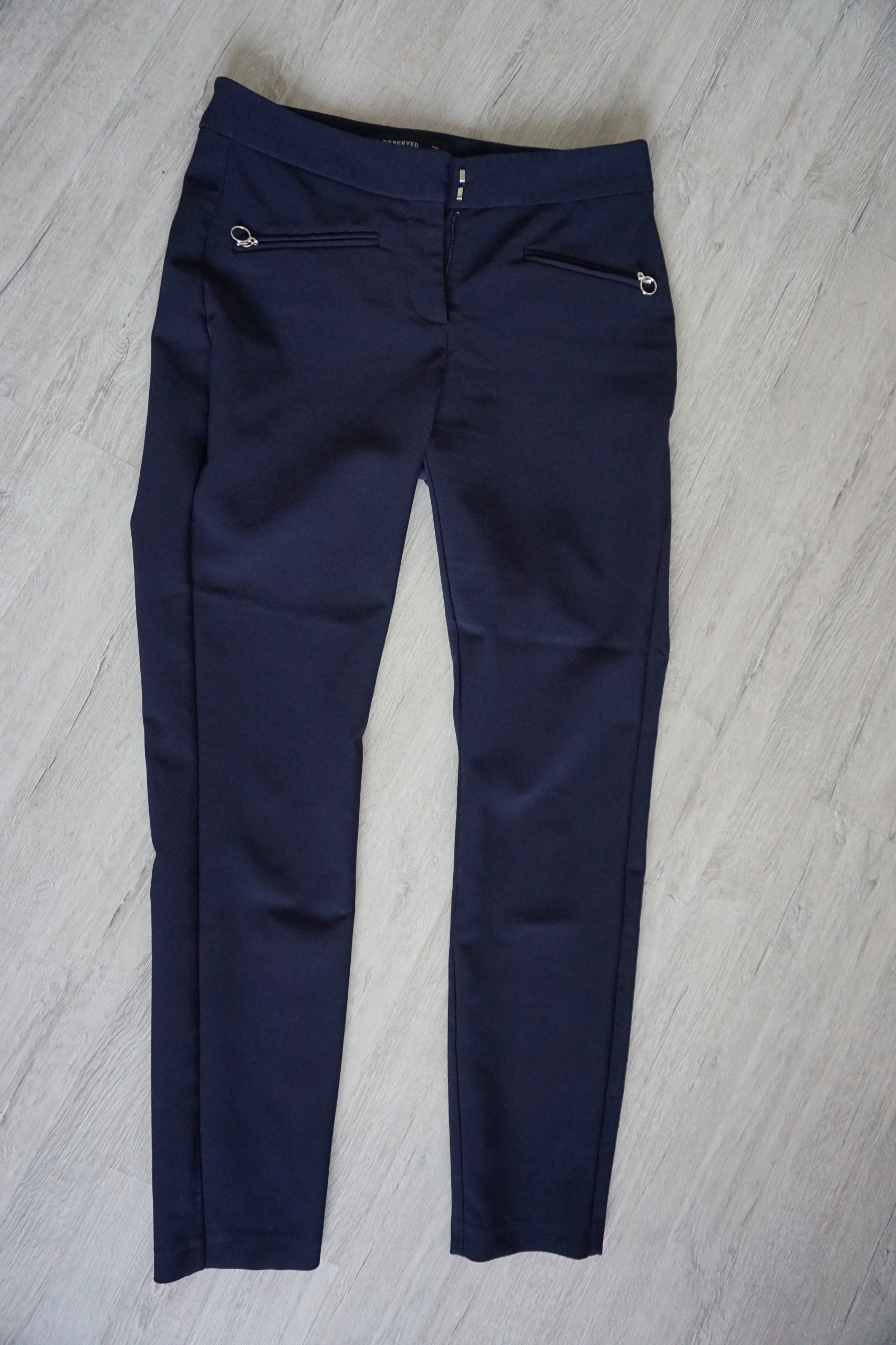6057a9fc0b1ecf Spodnie damskie granatowe eleganckie RESERVED r.34 - 7648619974 ...