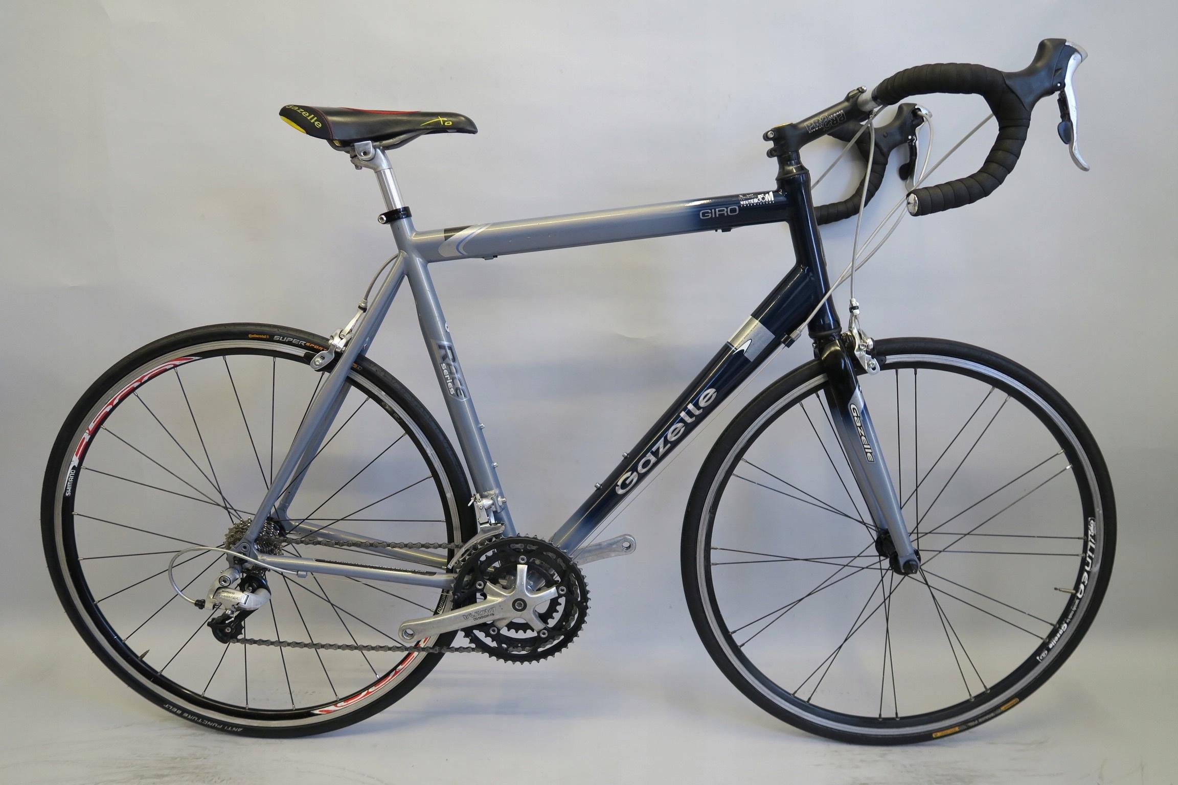Markowy rower szosowy Gazelle Giro Shimano Tiagra