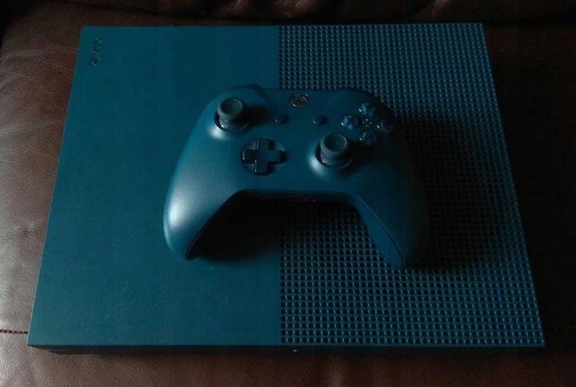 Xbox One S 1681 500Gb, TYLKO 480p, pad