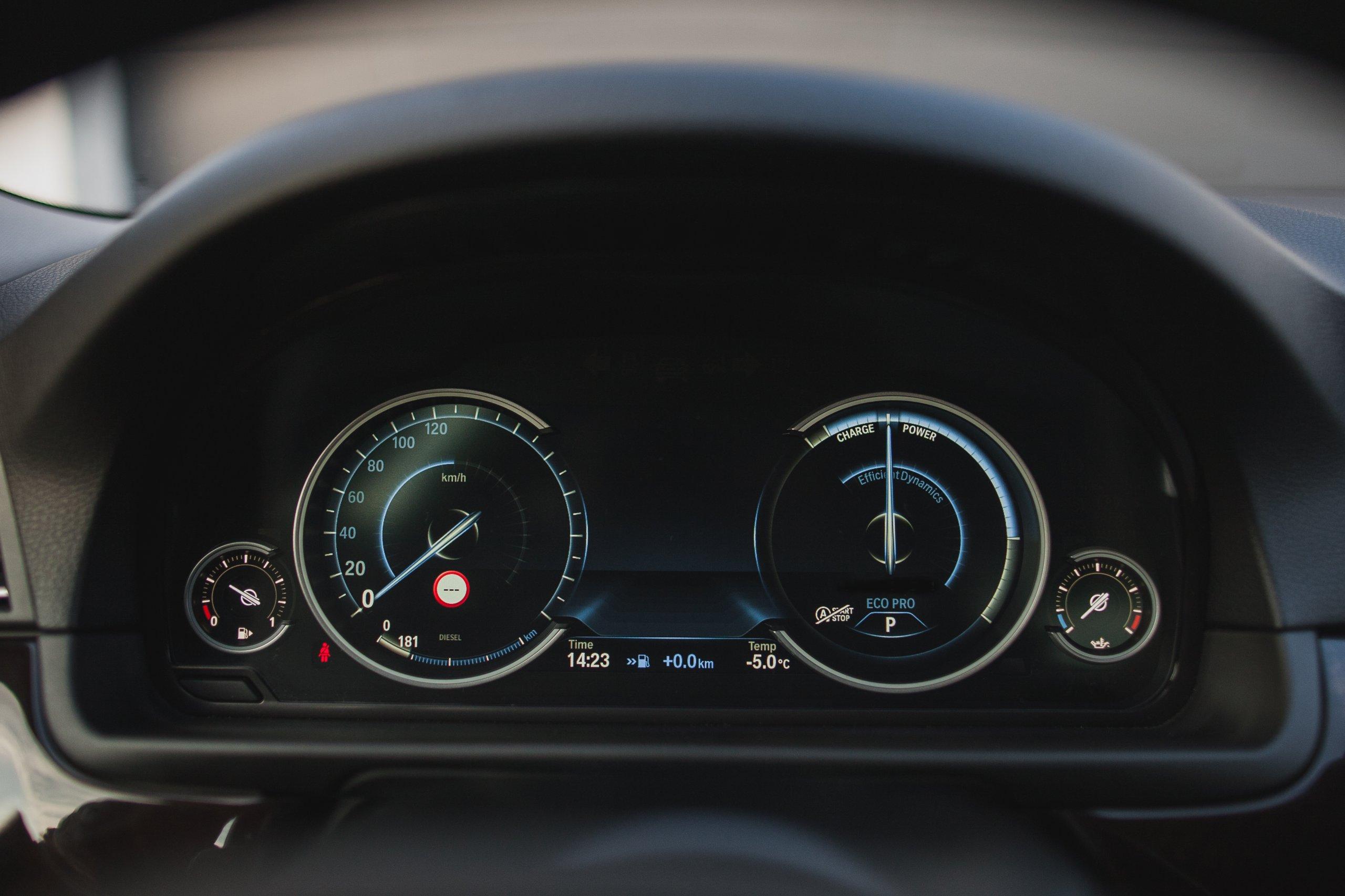 BMW F10 2013 3 0d x drive automat leasing
