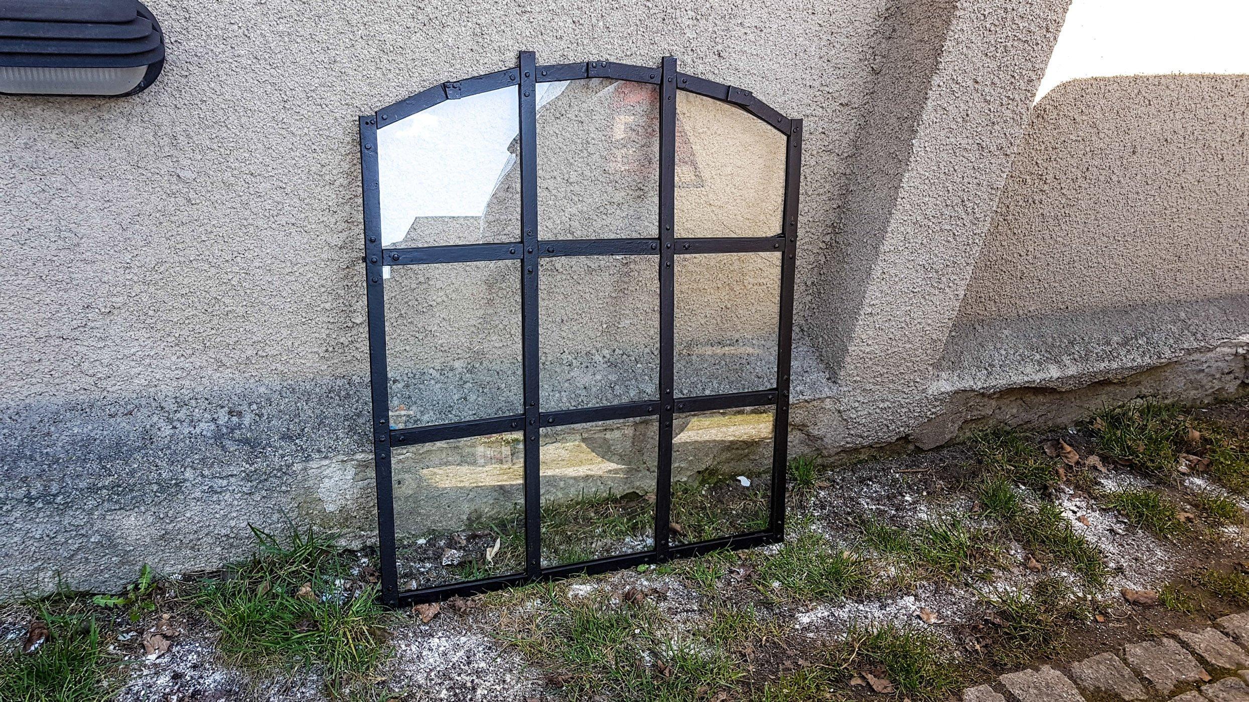 Bardzo dobryFantastyczny Stare okno stalowe (żeliwne?), po renowacji - 7314527683 TC14