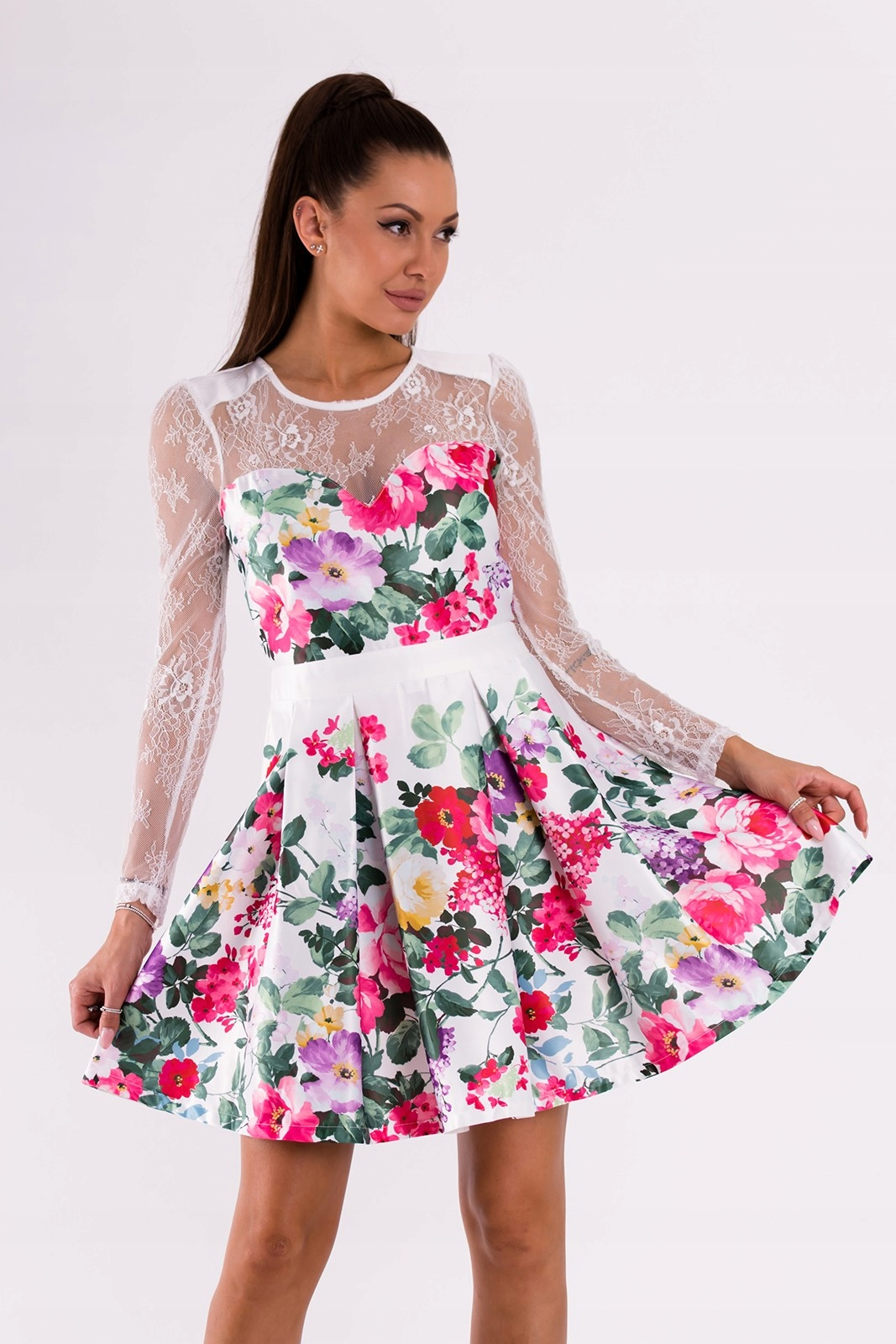23222a208c Sukienka rozkloszowana w kwiaty - biała M - 7378298795 - oficjalne ...
