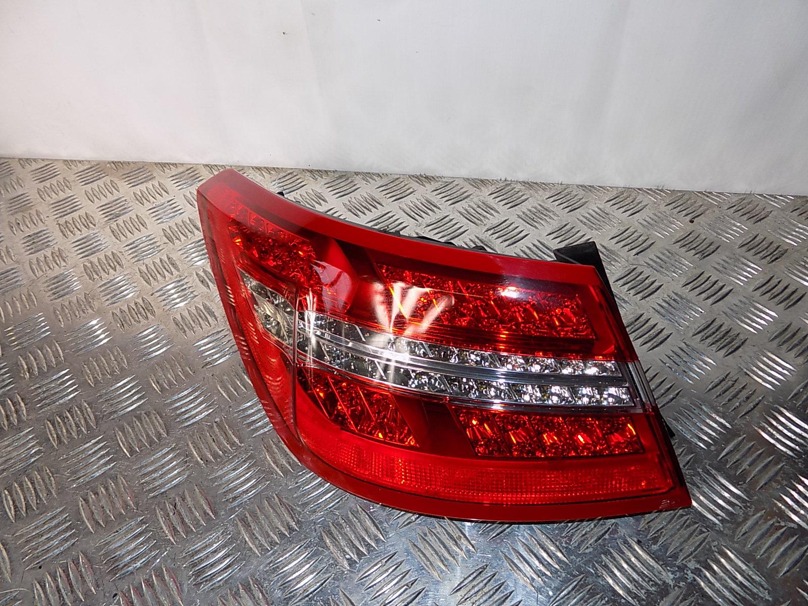 C207 W207 Tylna Lewa Lampa LED ŁADNA A2079060158 L