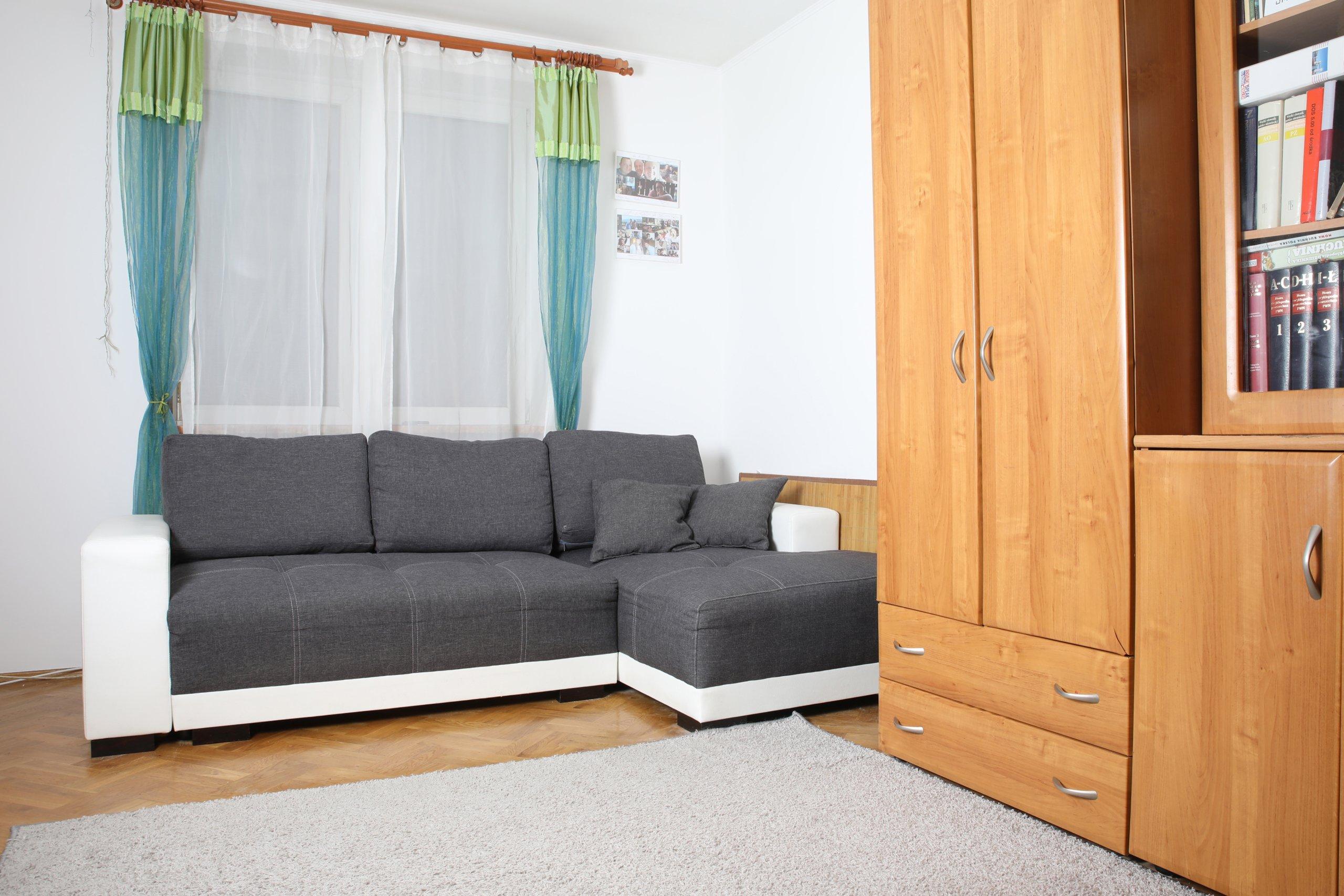 Sprzedam mieszkanie+2 miejsca garażowe- bezpośr.