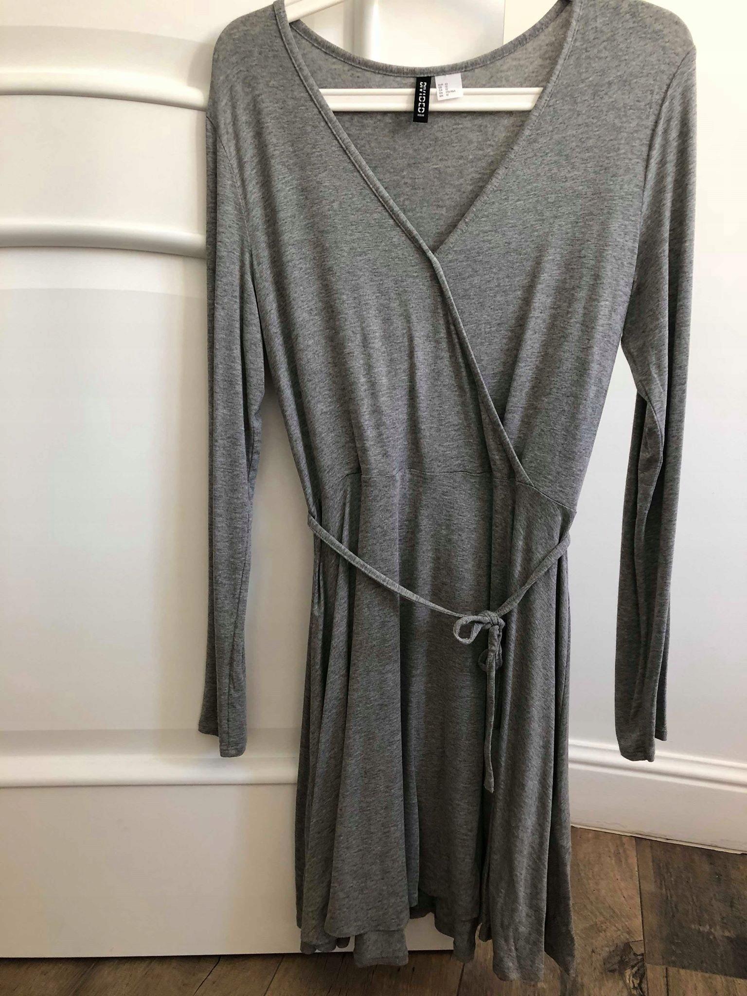 deb307afe4 Szara sukienka wiązana - szlafrok H M r.42 - 7377546308 - oficjalne ...