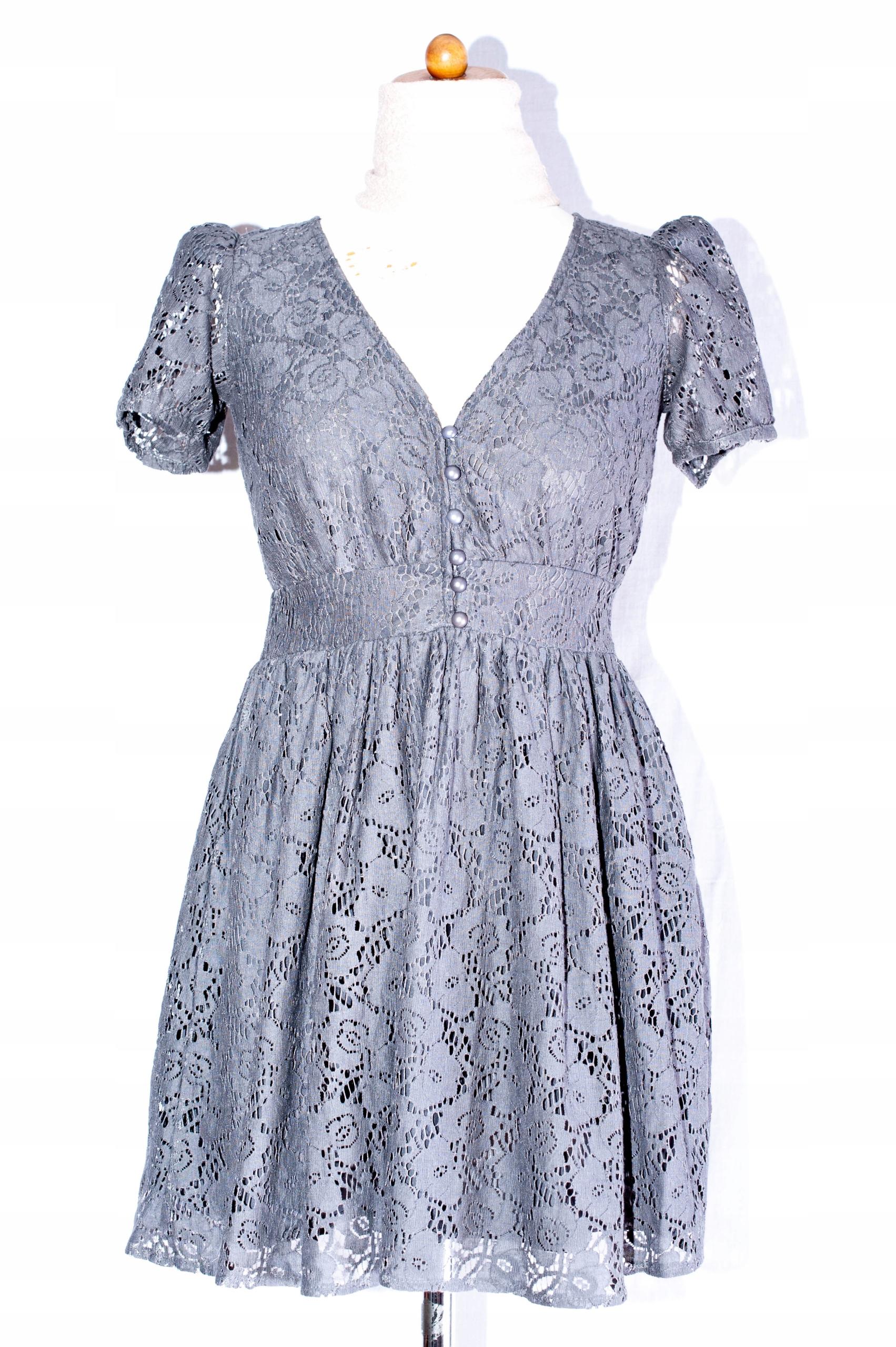 de32a2ca75 Szara sukienka koronkowa rozkloszowana roz 8 - 7456893496 ...
