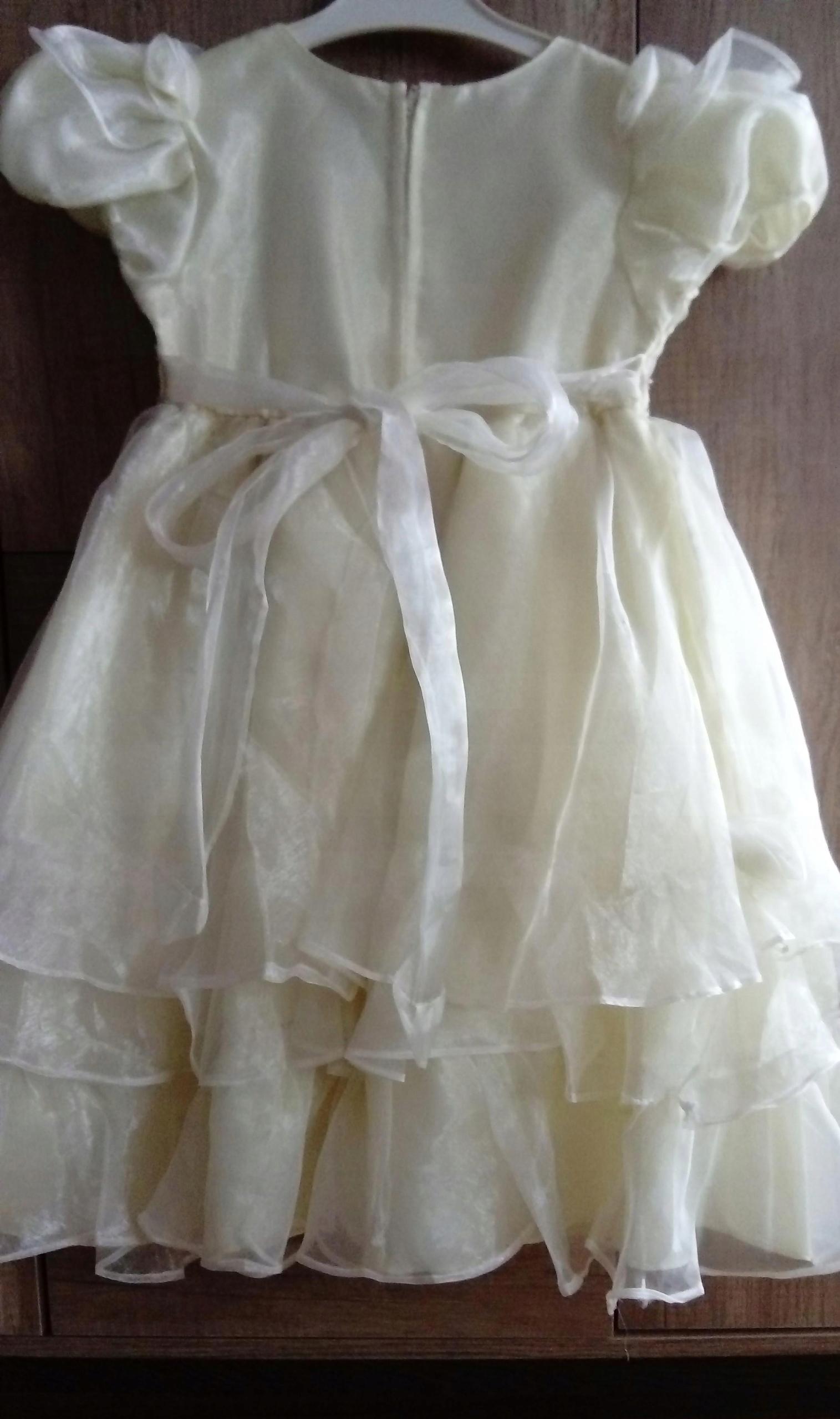 d2b055b044 Elegancka sukienka
