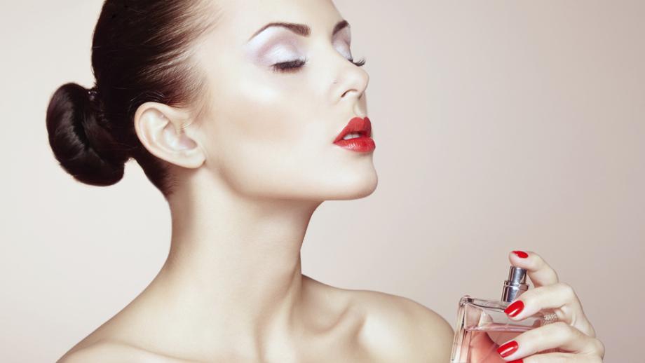 Jak poprawnie używać perfum?