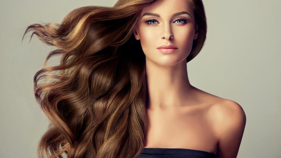Składniki, których powinnaś szukać w kosmetykach do włosów