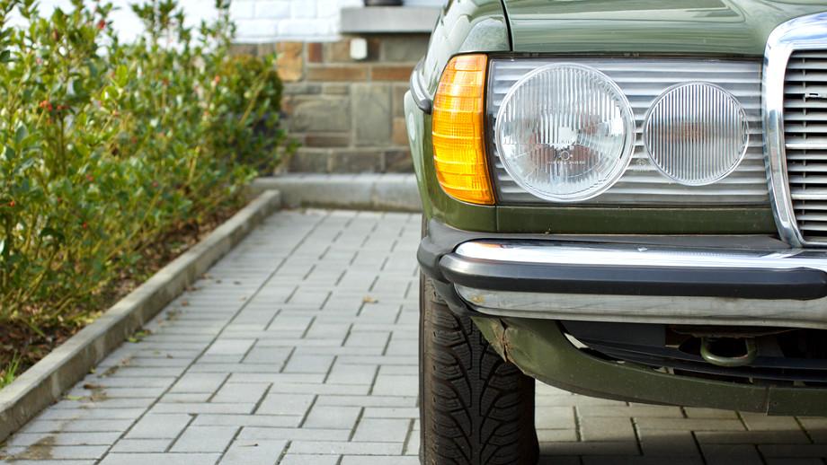 Dwudziestoletni Mercedes – dobry, tani zakup czy skarbonka bez dna?
