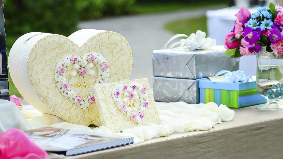 7 Pomysłów Na Praktyczny Prezent ślubny Allegropl