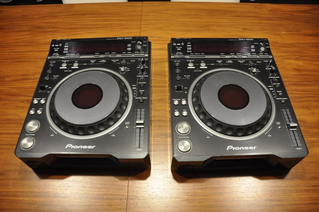 2 x Pioneer DVJ-1000 +Switcher VSW-1 +monitorki LG