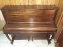 Dwa stare pianina