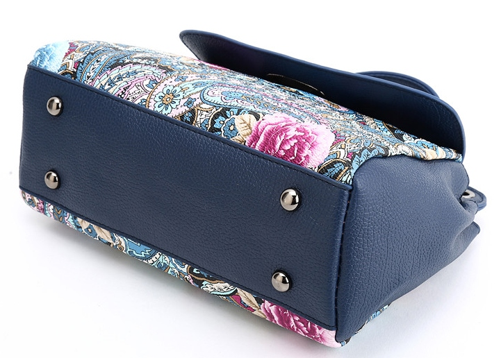 574706a37c291 ... w drukowane kwiaty, wysokiej jakości i wyjątkowym stylu torebkę , z  paskiem na ramię. Zapewni ona wygodę użytkownika. jak również klasę i  elegancję dla ...