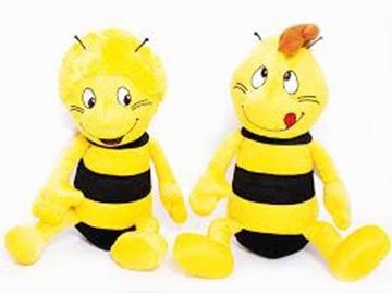 Včielka má plyšovú hračku s maskotom