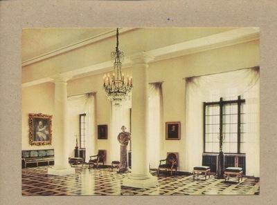 - замок ВАВЕЛЬСКИЙ ЗАЛ колона 1969 Г.