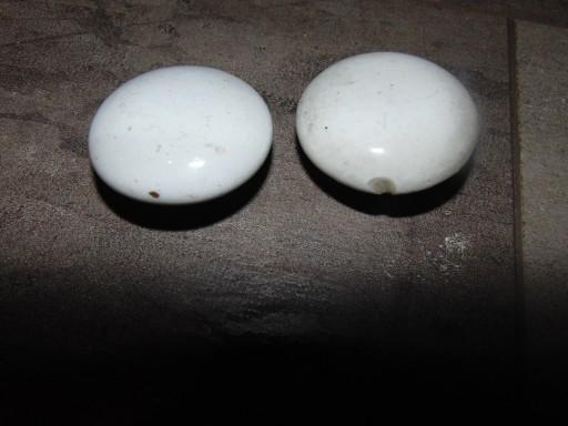 Przedwojenne porcelanowe gałki do mebla,śr.43 mm.