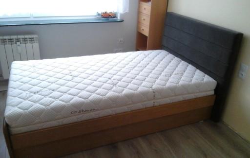 łóżko Drewniane Z Pojemnikiem I Tapicerką 90x200